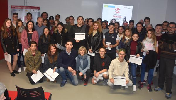 Lliurament de diplomes als participants dels cursos dels programes d'ocupació
